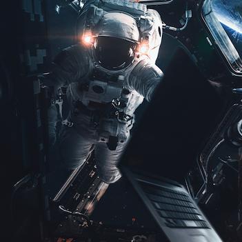 astronaut-klein.png