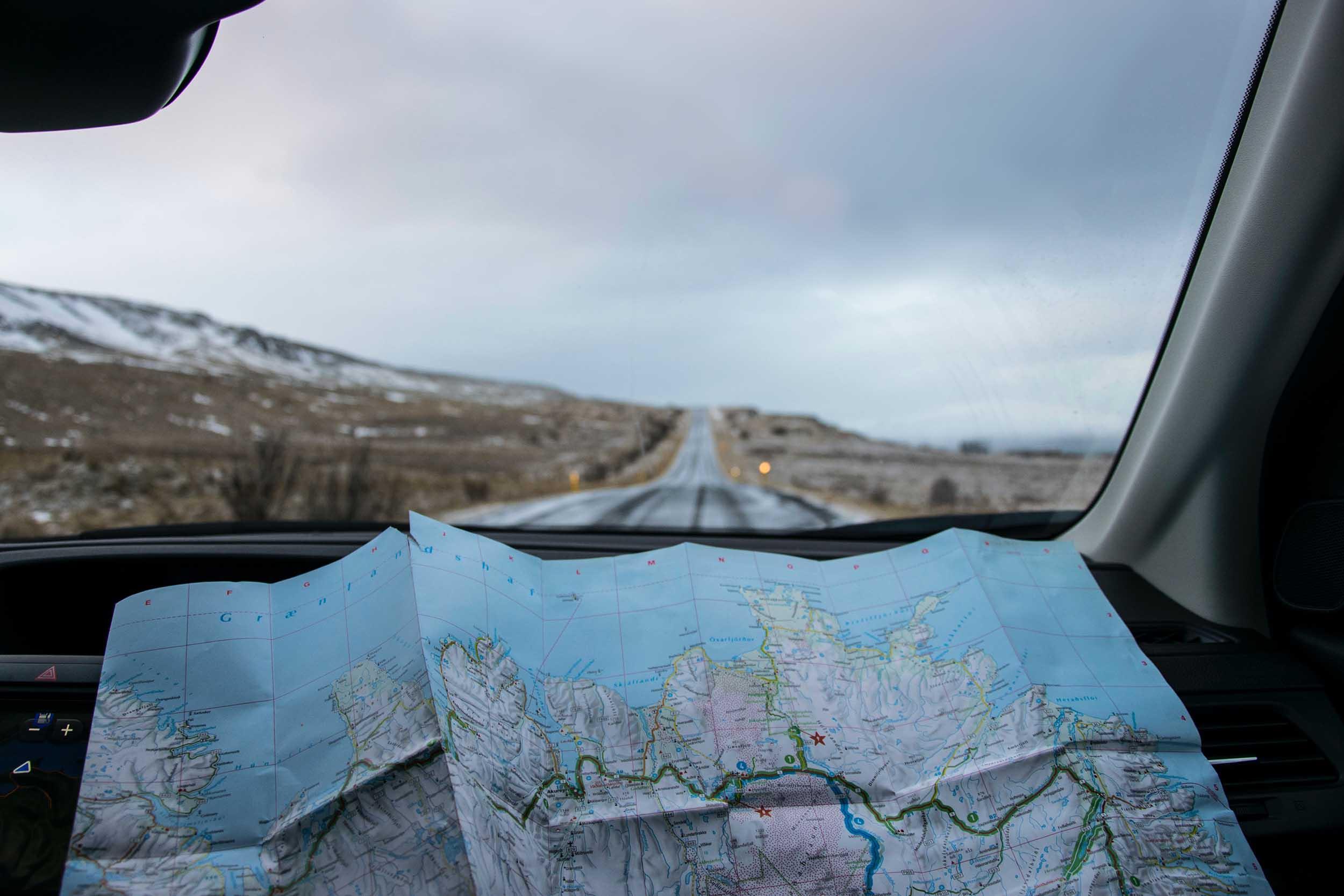 User Story Mapping. Ein Blick auf die Landkarte direkt aus dem Auto heraus.